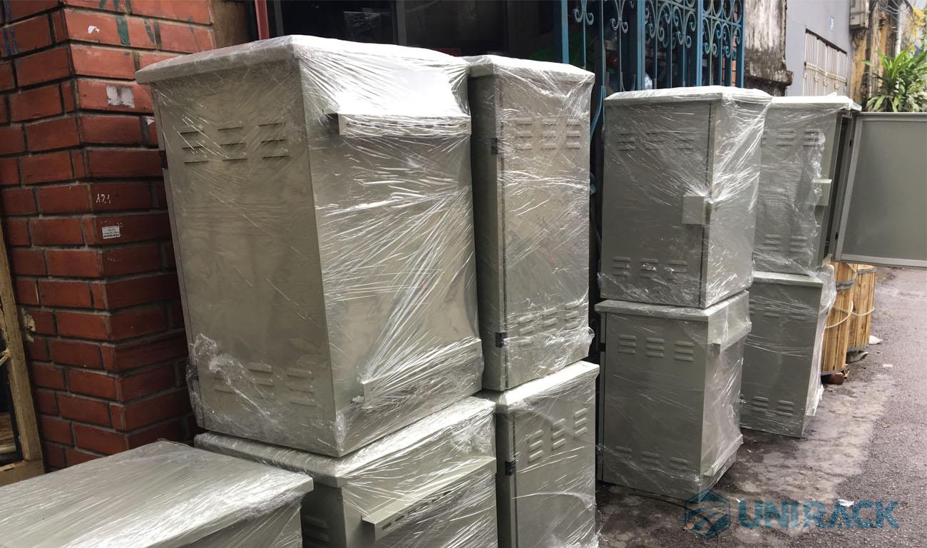 Lô tủ rack 15U ngoài trời theo yêu cầu, Thiết kế và sản xuất tủ rack theo yêu cầu