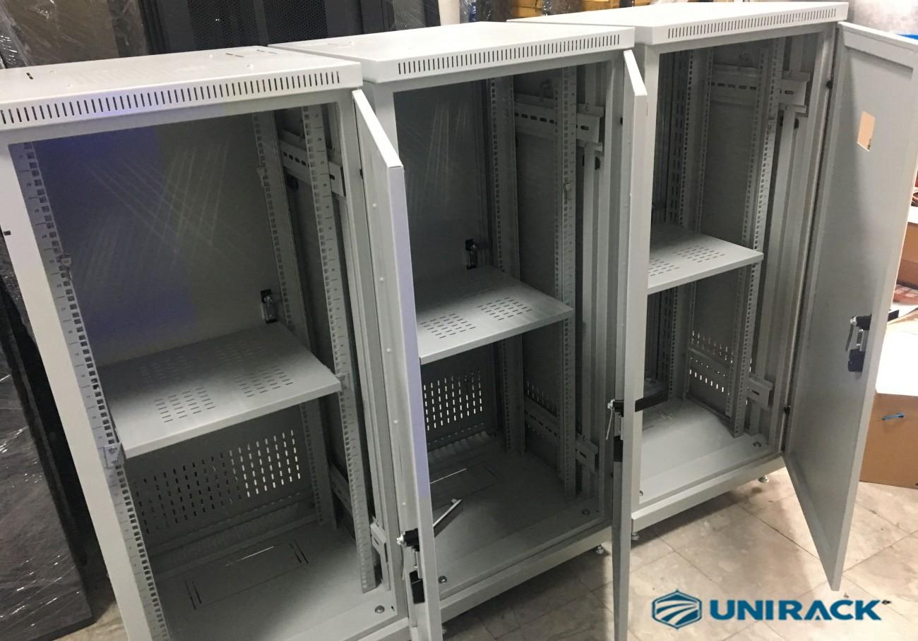 Lô tủ rack 27U theo yêu cầu đã sẵn sàng, Tủ rack 27U sản xuất theo đơn đặt hàng